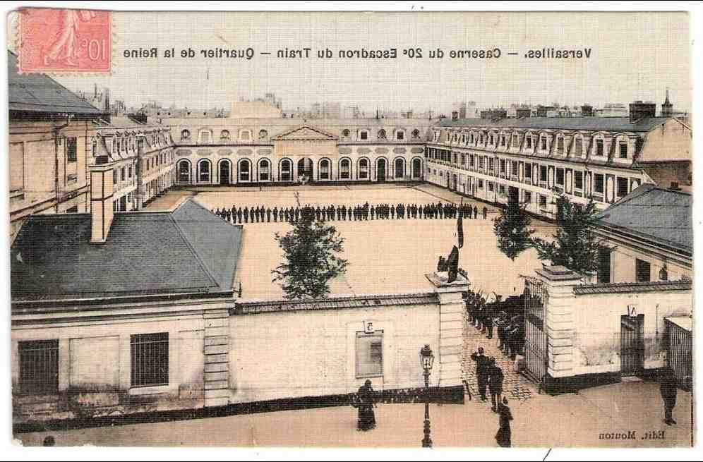 Qui a construit le château de Versailles et quand?